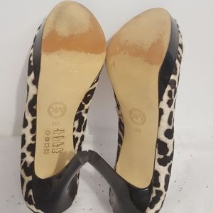 Michael Kors Shoes - MICHAEL KORS Leopard Pattern Calf Hair Pumps Sz 8